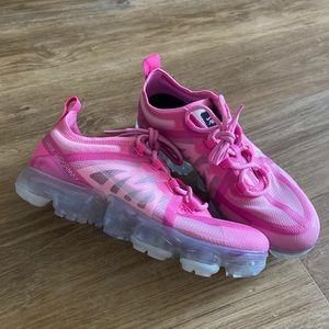 Nike pink air vapormax